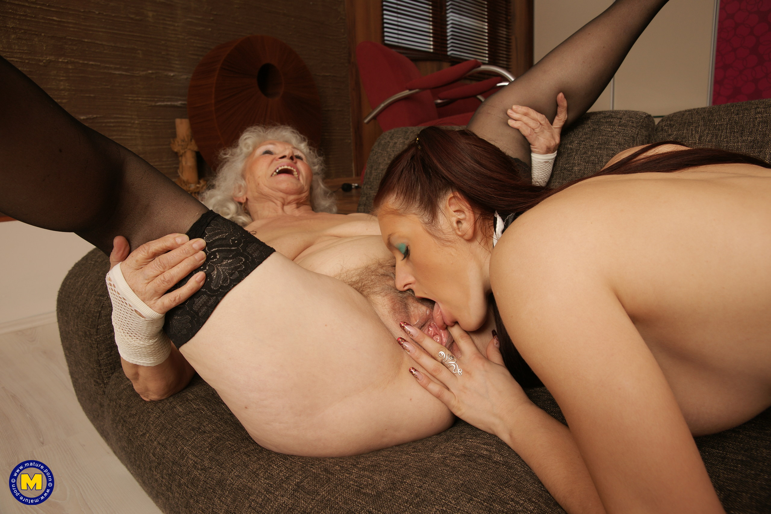 Old mature lesbian fucking with horny granny