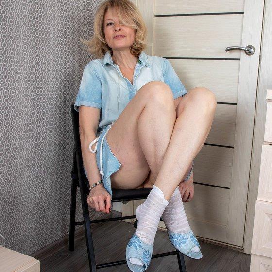 Diana milf Mature Blonde